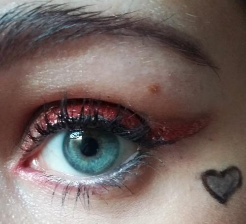 Queen of Hearts makeup 01