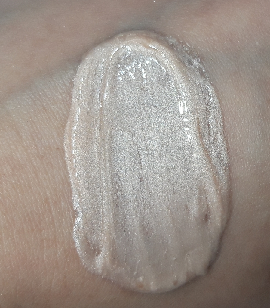 No7 Liquid Illuminator Swatch